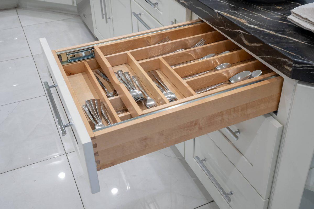 Ergonomic Cutlery Drawers